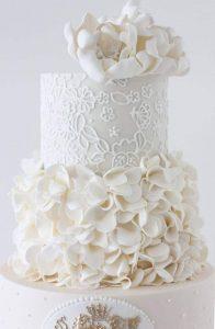 tarta romántica blanca